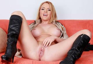 Sexy donna nuda sceriffo.